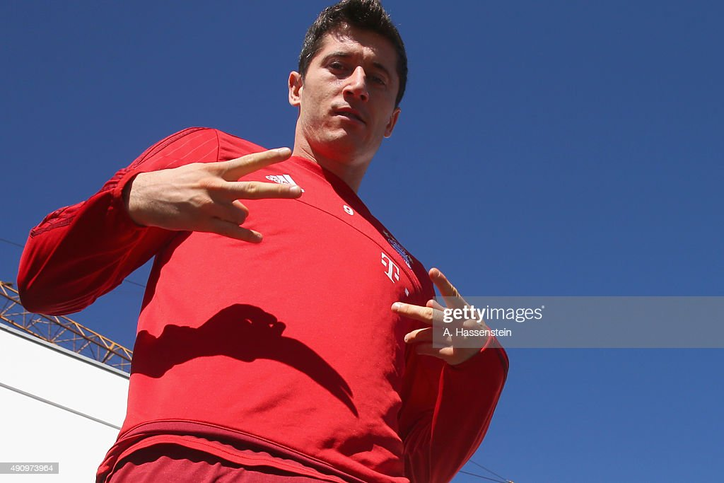 Robert Lewandowski of Bayern Muenchen smiles prior to a training session at Bayern Muenchen's trainings ground Saebener Strasse on October 2, 2015 in Munich, Germany.