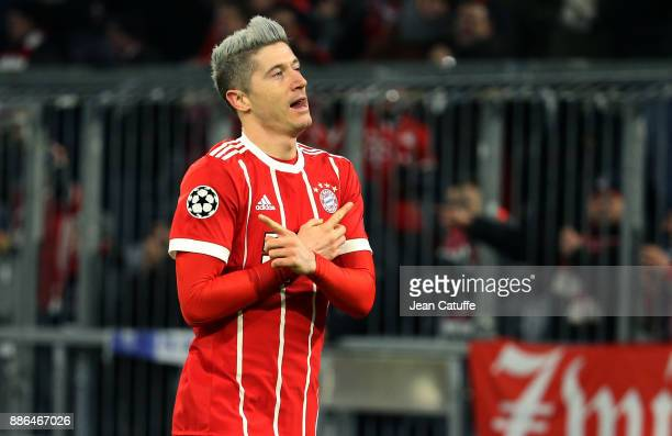 Robert Lewandowski of Bayern Munich celebrates his goal during the UEFA Champions League group B match between Bayern Muenchen and Paris SaintGermain...