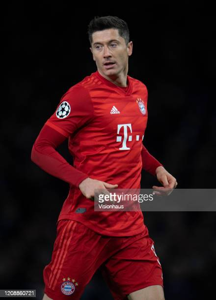 Robert Lewandowski of Bayern Munich during the UEFA Champions League round of 16 first leg match between Chelsea FC and FC Bayern Muenchen at...