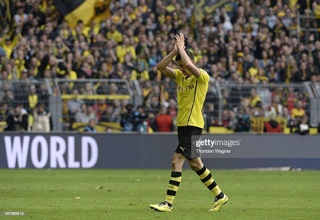 Robert Lewandowski of Dortmund leaves the pitch after substitution during the Bundesliga match between Borussia Dortmund and TSG 1899 Hoffenheim at Signal Iduna Park on May 3, 2014 in Dortmund, Germany.