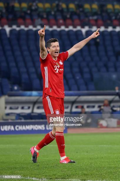 Robert Lewandowski of FC Bayern München celebrates the 3rd team goal during the UEFA Champions League Round of 16 match between Lazio Roma and Bayern...