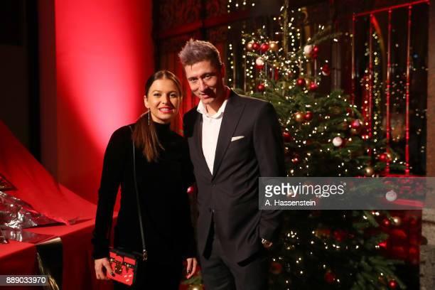 Robert Lewandowski of FC Bayern Muenchen arrives with his wife Anna Lewandowska at Palais Lenbach for the FC Bayern Muenchen Christmas Party 2017 on...