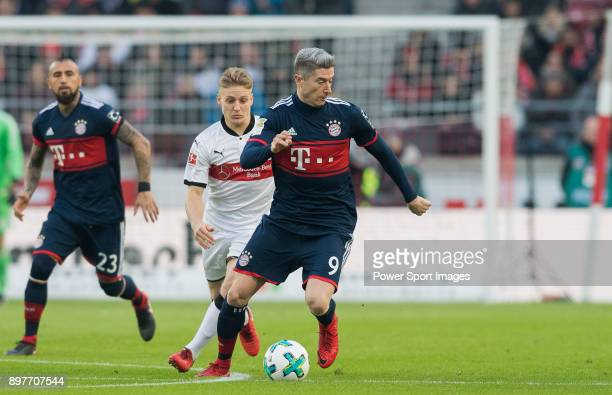 Robert Lewandowski of FC Bayern Muenchen in action during the Bundesliga match between VfB Stuttgart and FC Bayern Muenchen at the MercedesBenz Arena...