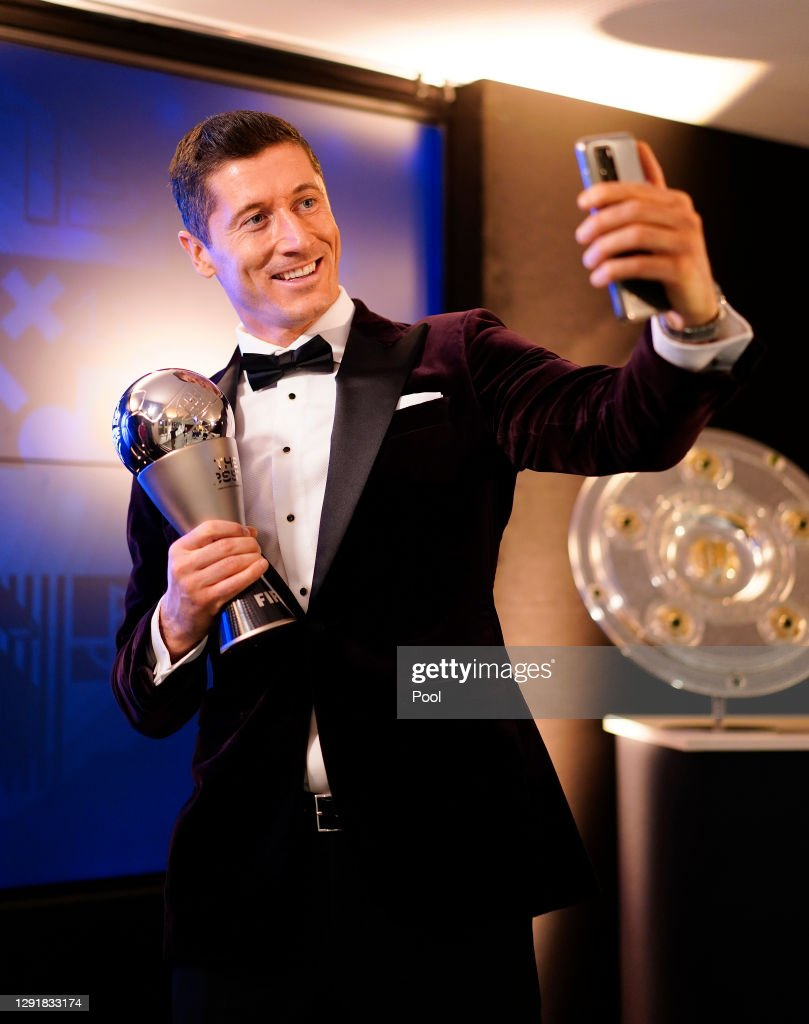 FC Bayern Muenchen Players And Staff Watch FIFA The BEST Awards : Foto di attualità