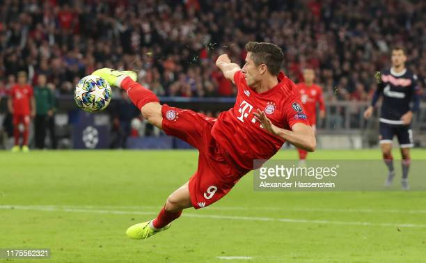 Robert Lewandowski of FC Bayern Munich shoots during the UEFA Champions League group B match between Bayern Muenchen and Crvena Zvezda at Allianz...