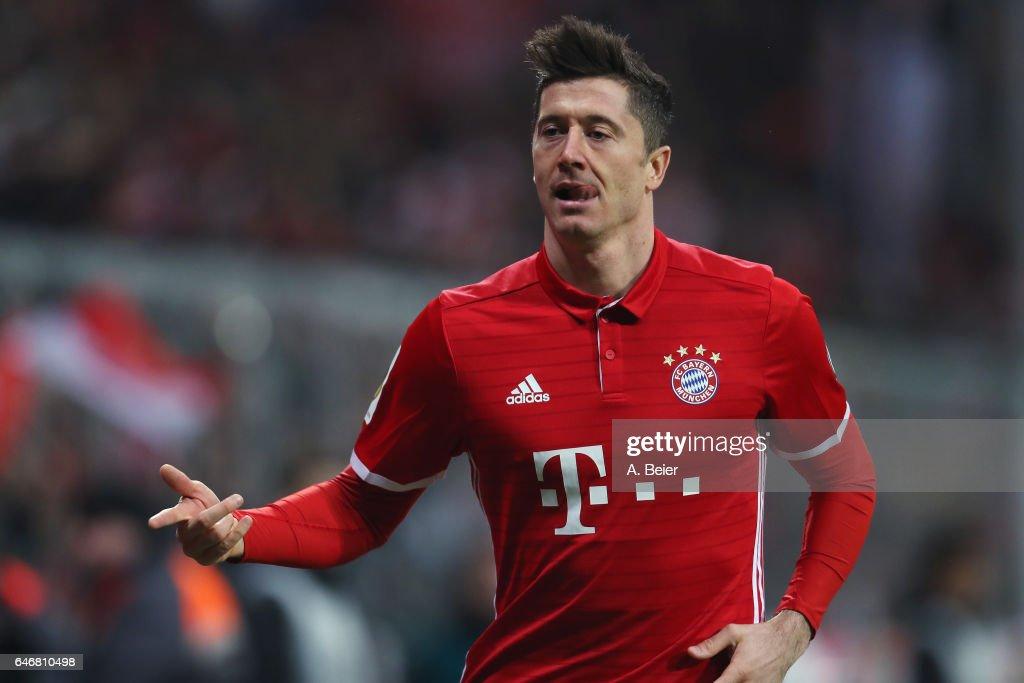 Bayern Muenchen v FC Schalke 04 - DFB Cup Quarter Final : News Photo