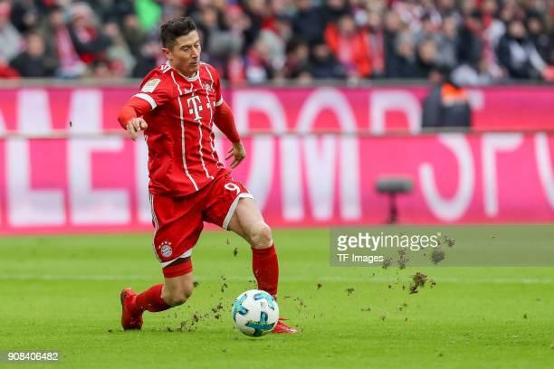 Robert Lewandowski of Muenchen controls the ball during the Bundesliga match between FC Bayern Muenchen and SV Werder Bremen at Allianz Arena on...