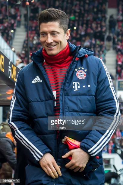 Robert Lewandowski of Muenchen looks on prior to the Bundesliga match between 1 FSV Mainz 05 and FC Bayern Muenchen at Opel Arena on February 3 2018...