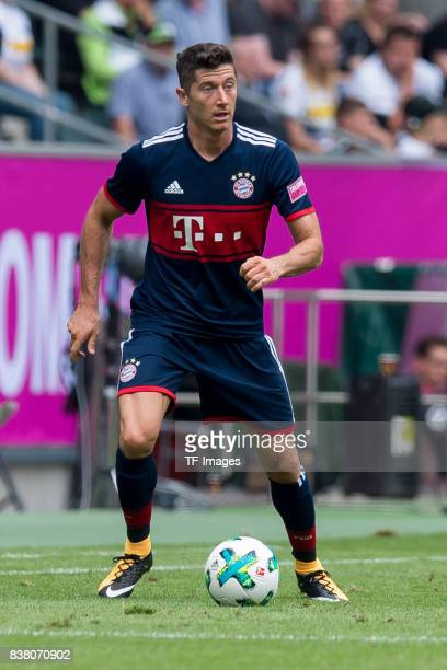 Robert Lewandowski of Munich controls the ball during the Telekom Cup 2017 match between Bayern Muenchen and 1899 Hoffenheim at on July 15 2017 in...