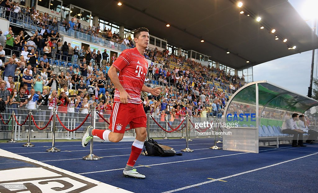 FC Carl Zeiss Jena v Bayern Muenchen - DFB Cup : News Photo