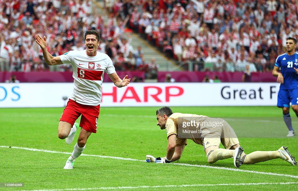 Poland v Greece - Group A: UEFA EURO 2012 : Nyhetsfoto