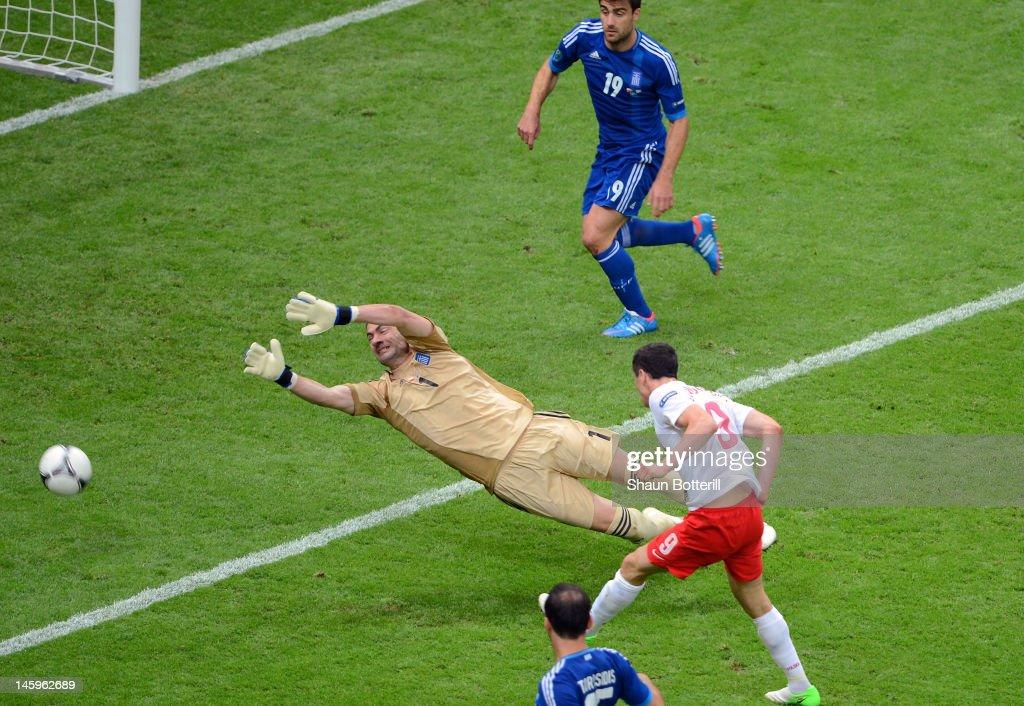 Poland v Greece - Group A: UEFA EURO 2012 : News Photo