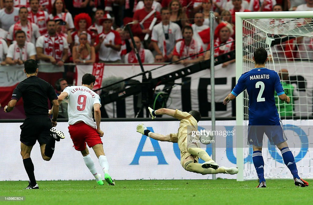 Poland v Greece - Group A: UEFA EURO 2012 : ニュース写真