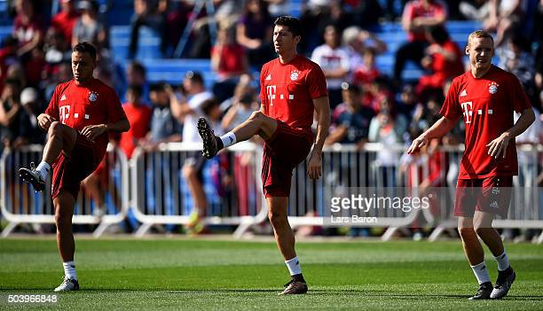 Robert Lewandowski warms up during a training session at day three of the Bayern Muenchen training camp at Aspire Academy on January 8 2016 in Doha...