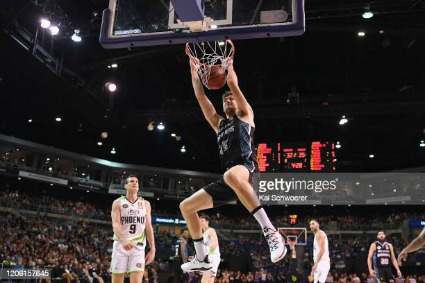 Robert Loe of the Breakers dunks during the round 20 NBL match between the New Zealand Breakers and the South East Melbourne Phoenix at Horncastle...