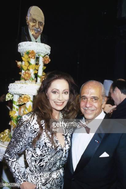 Robert Manuel fête ses 50 ans de théâtre avec son épouse Claudine Coster en février 1985 à Paris France