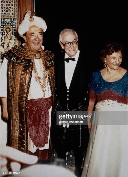 Robert Maxwell et sa femme Elisabeth Maxwell invités au 70ème anniversaire de Malcolm Forbes dans le palais de ce dernier à Tanger au Maroc