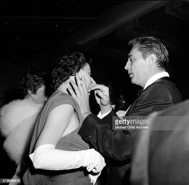 Robert Mitchum and wife Dorothy attend the Friars dinner in Los Angeles,CA.