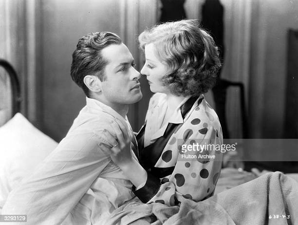 Robert Montgomery and Tallulah Bankhead star in 'Faithless' the story of an impoverished millionairess and her lover set during the Depression era...