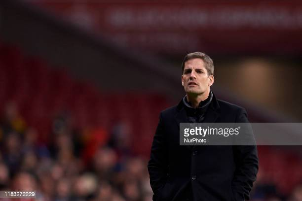 Robert Moreno head coach of Spain gives instructions during the UEFA Euro 2020 Qualifier between Spain and Romania on November 18 2019 in Madrid Spain