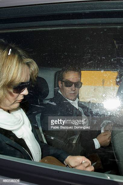 Robert Murat and his wife Michaela Walczuch leave Faro's Police Station inside a car after being interviewed as witnesses during an investigation on...