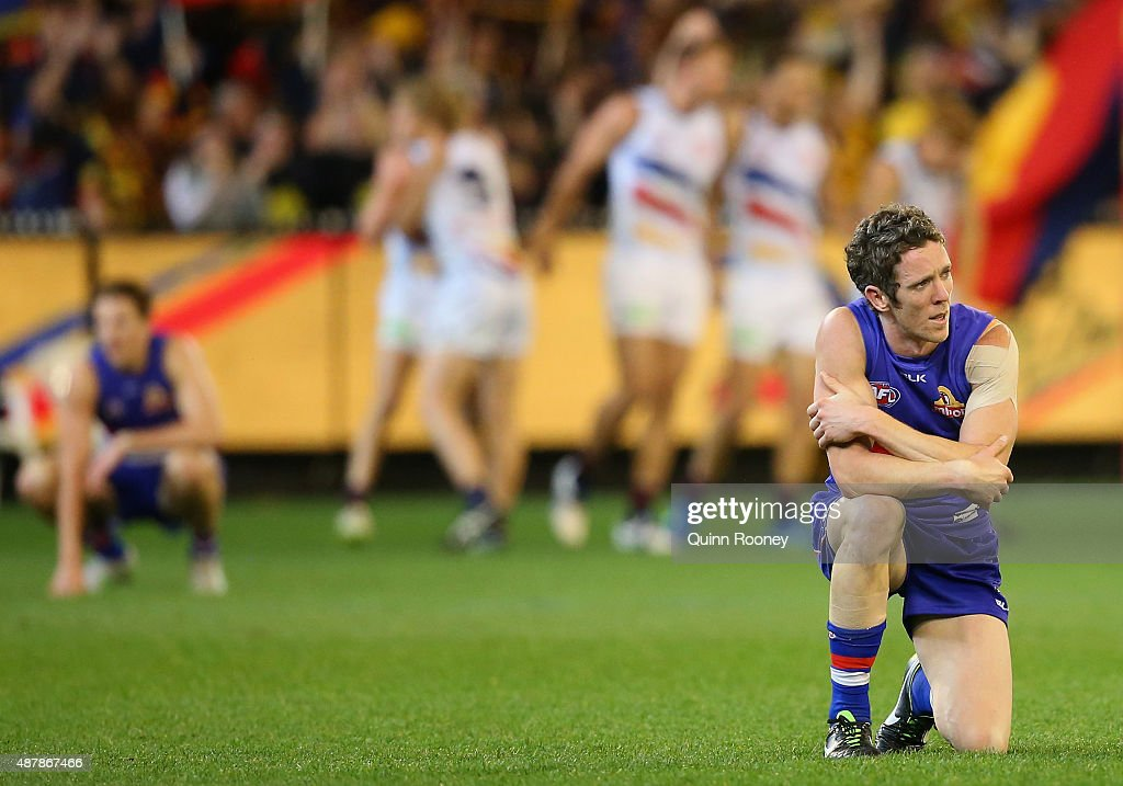 Robert Murphy of the Bulldogs looks dejected after losing the AFL Second Elimination Final match between the Western Bulldogs and the Adelaide Crows at Melbourne Cricket Ground on September 12, 2015 in Melbourne, Australia.