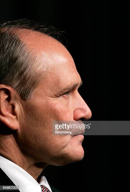 """Robert Nardelli, Chrysler LLC chairman and chief executive officer, attends the """"First Day"""" of The New Chrysler at their headquarters in Auburn,..."""