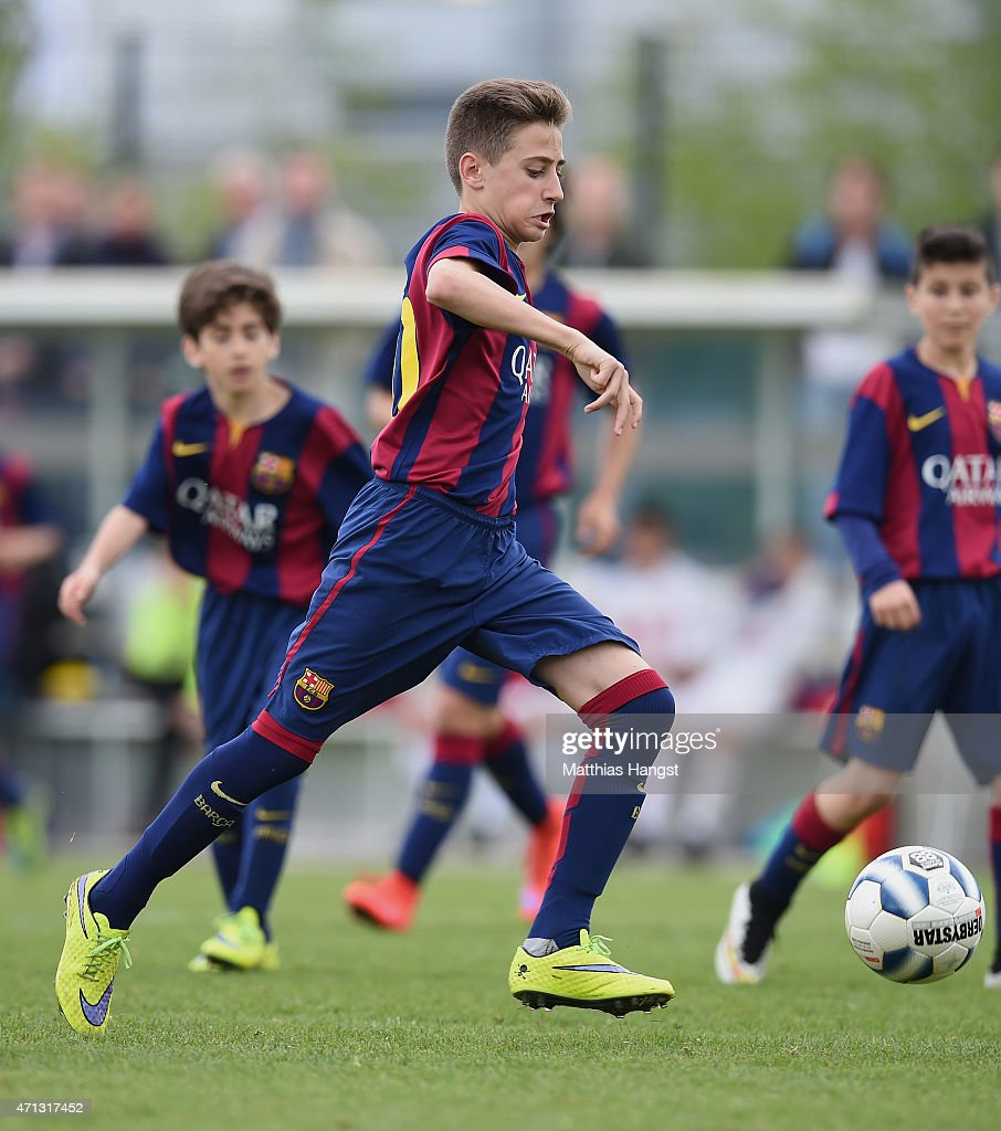 Robert Navarro Munoz of Barcelona in action during the Final of the Santander Cup for U13 teams between FC Barcelona and VfB Stuttgart at Borussia Park Fohlenplatz on April 26, 2015 in Moenchengladbach, Germany.