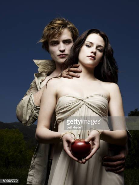 Robert Pattinson and Kristen Stewart pose at a portrait session as their characters from Twilight