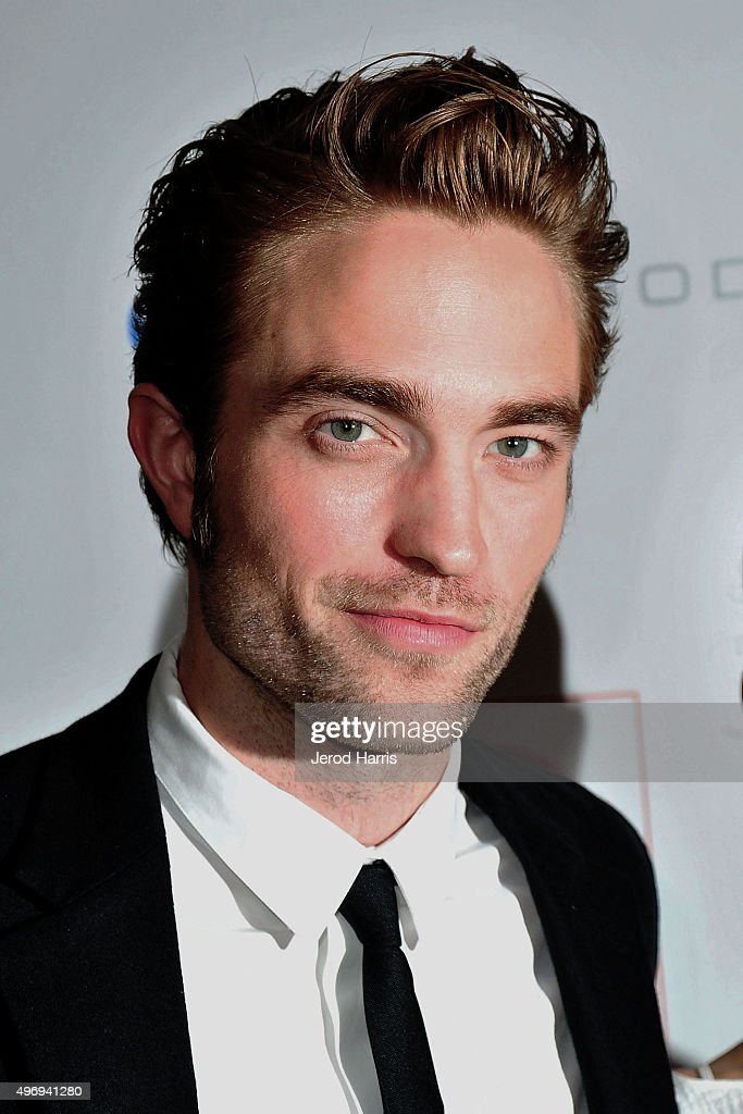 Robert Pattinson arrives at the 8th Annual GO Campaign Gala at Montage Beverly Hills on November 12, 2015 in Beverly Hills, California.