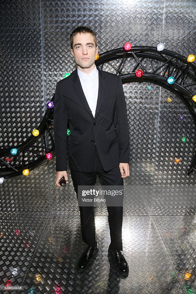 Dior Homme : Arrivals - Paris Fashion Week - Menswear Spring/Summer 2017
