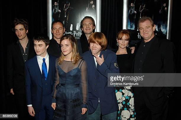 Robert Pattinson Daniel Radcliffe Jason Isaacs Emma Watson Ralph Fiennes Rupert Grint Miranda Richardson and Brendan Gleeson