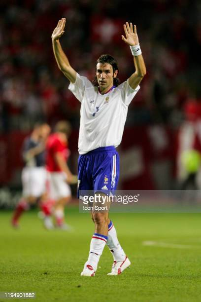 Robert PIRES of France thanks the crowd during the European Championship Pool B match between Switzerland and France at Estadio Cidade de Coimbra,...