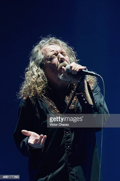 Robert Plant perfoms on stage during the Festival Vive Latino 2015 day 1 at Foro Sol on March 13 2015 in Mexico City Mexico