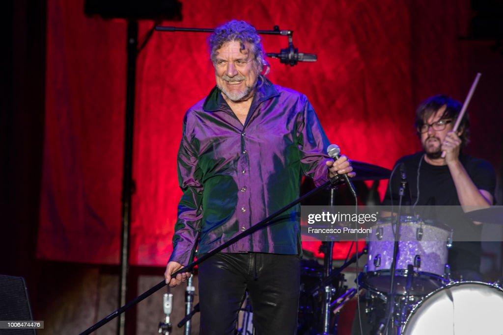 Robert Plant Performs In Milan : News Photo