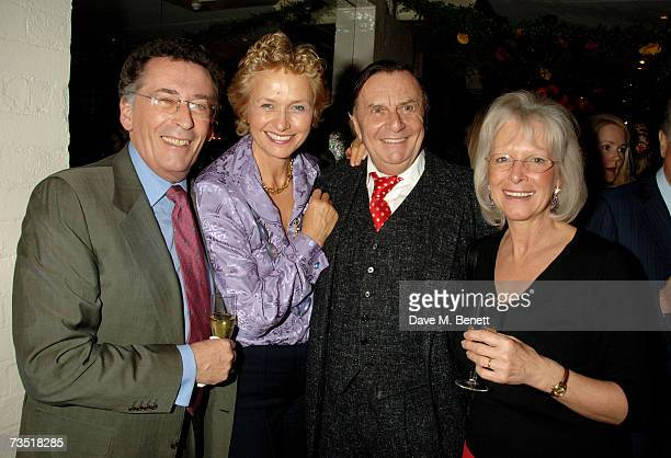 Robert Powell Lizzie Spender Barry Humphries and Babs Powell attend the closing party of The Neal Street Restaurant hosted by the Italian Ambassador...