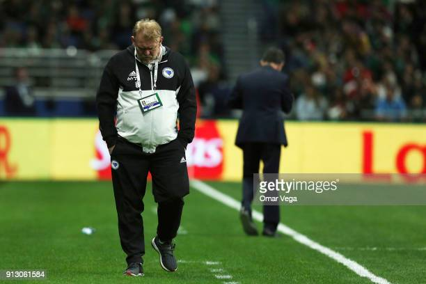Robert Prosinecki coach of Bosnia and Herzegovina walks on the sideline during the friendly match between Mexico and Bosnia and Herzegovina at...