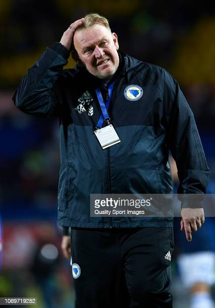 Robert Prosinecki Manager of Bosnia reacts during the international friendly match between Spain and Bosnia & Herzegovina at Estadio de Gran Canaria...