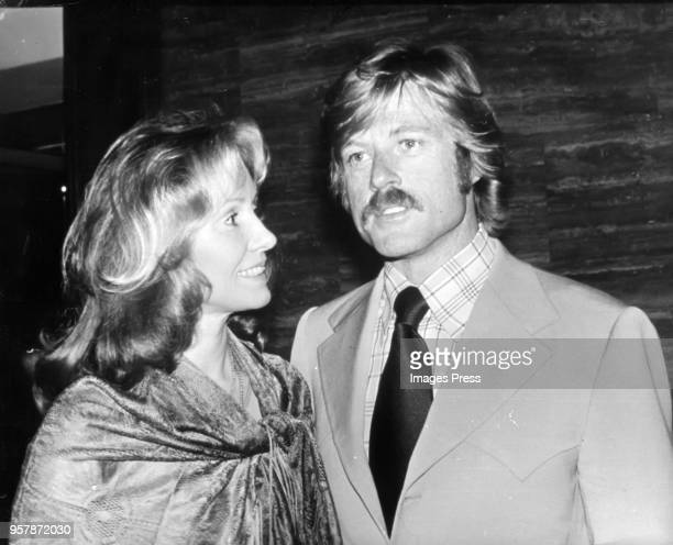 Robert Redford and wife Lola Van Wagenen circa 1976 in New York City