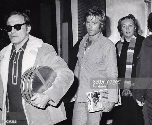 Robert Redford during Redford Sighted Filming 'Three Days of the Condor' January 24 1975 at New York City Studio in New York City New York United...