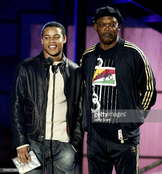 Robert Ri'chard and Samuel L Jackson present the Best Sports Game award to Madden NFL 2005