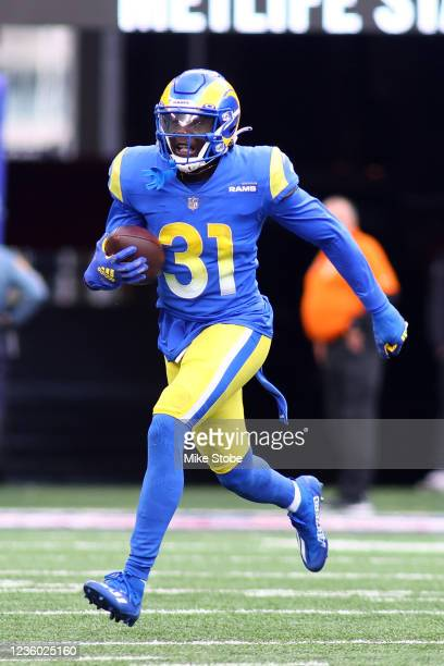 Robert Rochell of the Los Angeles Rams in action against the New York Giants at MetLife Stadium on October 17, 2021 in East Rutherford, New Jersey....