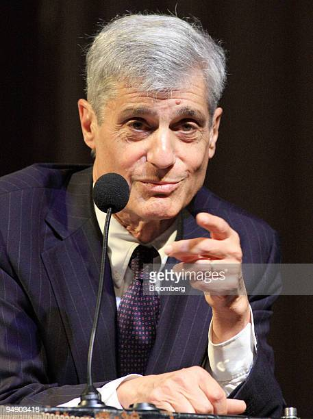 Robert Rubin, chairman of the executive committee of Citigroup Inc., gives a lecture at Cooper Union in New York, U.S., on Wednesday, Jan. 30, 2008....