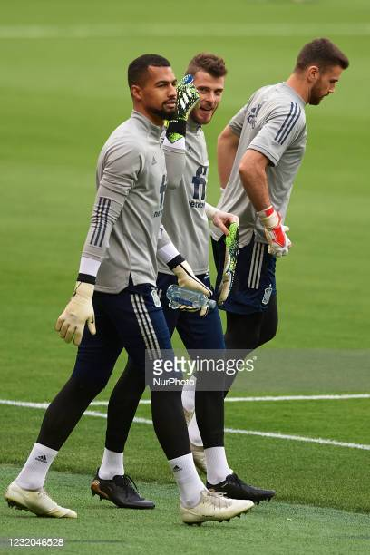 Robert Sanchez , David de Gea and Unai Simon of Spain during the warm-up before the FIFA World Cup 2022 Qatar qualifying match between Spain and...