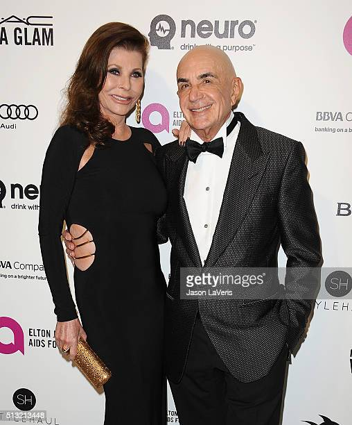 Robert Shapiro and wife Linell Shapiro attend the 24th annual Elton John AIDS Foundation's Oscar viewing party on February 28, 2016 in West...