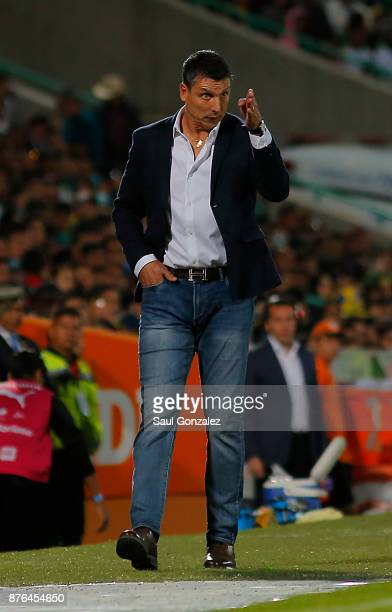 Robert Siboldi coach of Santos gives instructions to his players during the 17th round match between Santos Laguna and America as part of the Torneo...