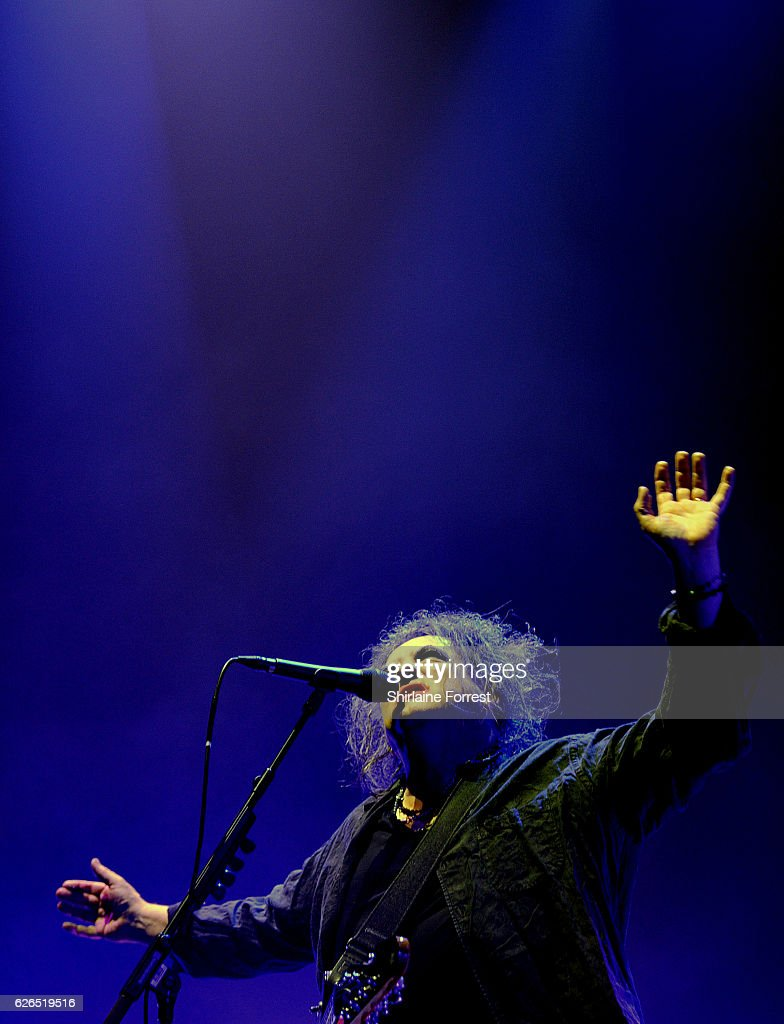 Robert Smith of The Cure performs at Manchester Arena on November 29, 2016 in Manchester, United Kingdom.
