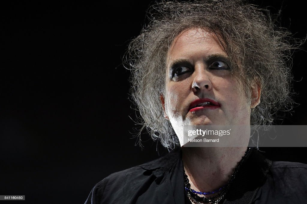 The cure robert smith net worth-5912