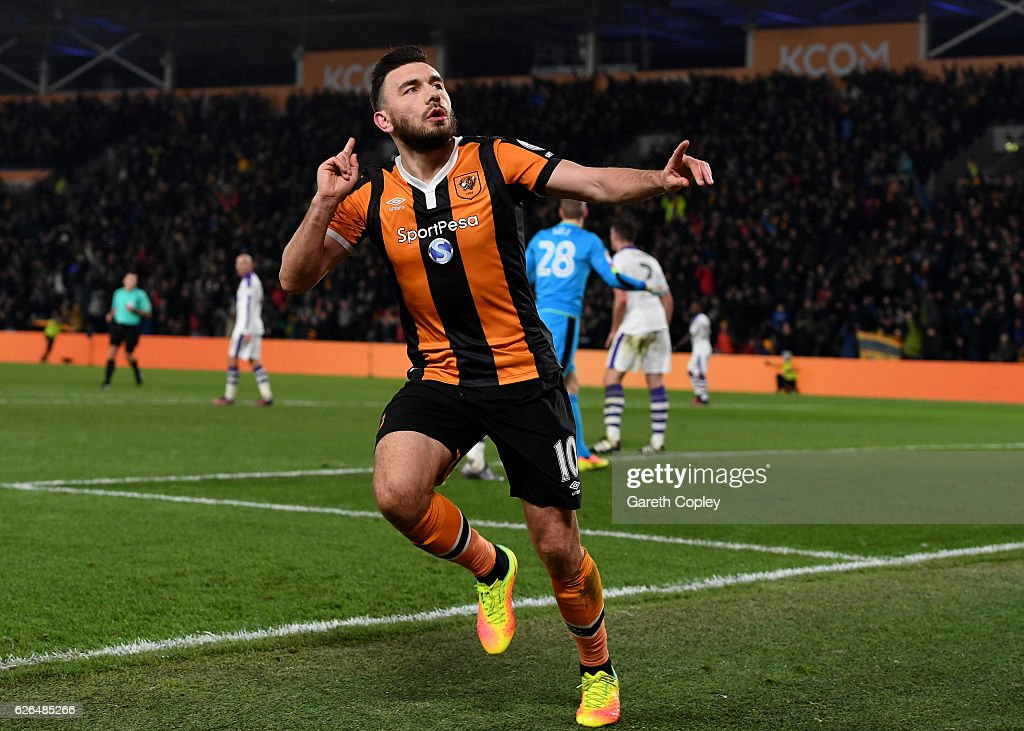 Robert Snodgrass of Hull City celebrates as he scores their frst goal during the EFL Cup Quarter-Final match between Hull City and Newcastle United at KCOM Stadium on November 29, 2016 in Hull, England.