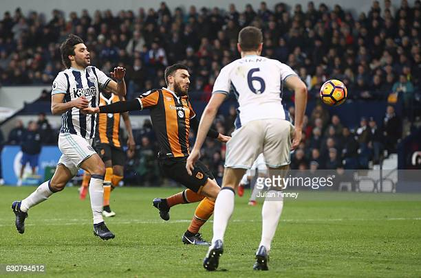 Robert Snodgrass of Hull City scores his sides first goal during the Premier League match between West Bromwich Albion and Hull City at The Hawthorns...